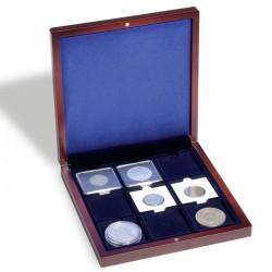 Ecrin numismatique offrant 9 alvéoles carrées de 50 x 50 mm